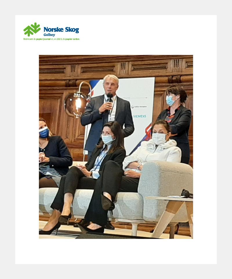 Yves BAILLY de Norske Skog Golbey reçoit le prix de la Transition Ecologique